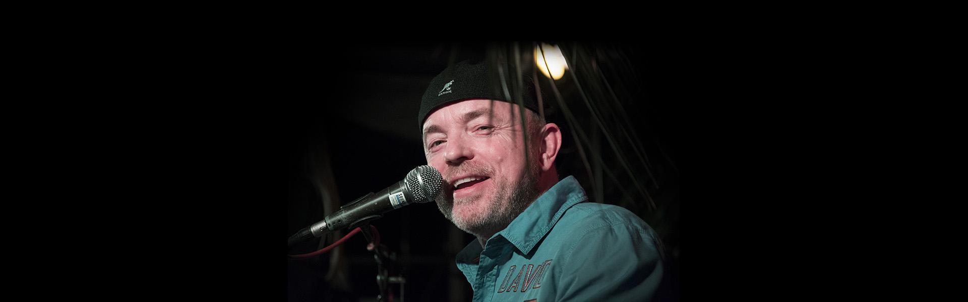 Axel Scheer: Sänger und Keyboarder bei time4music